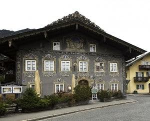 Façade du restaurant Zum Husaren à Garmisch-Partenkirchen